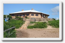 islannd rock resort, lodge, restaurant on mozambique coast